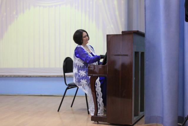 Елена Кругляк исполняет Ноктюрн