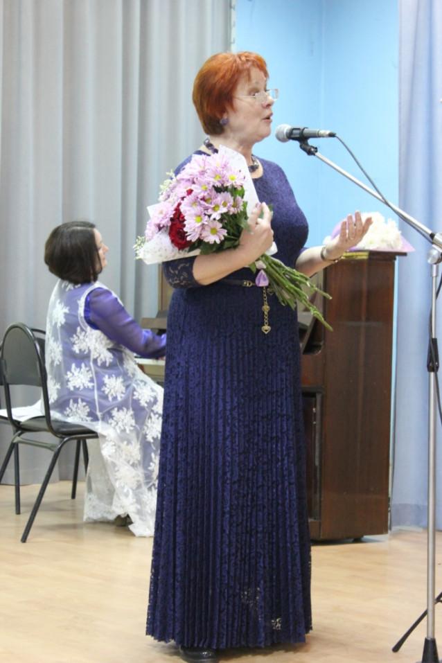 Нина Курихина поёт на бис