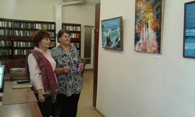 Гости у выставки